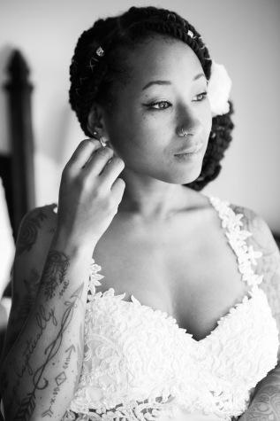weddingmomentblackandwhite